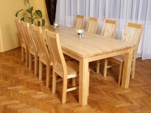 Söögitoakomplekt SALLA + 8 tooli kõva istmega (lakk)